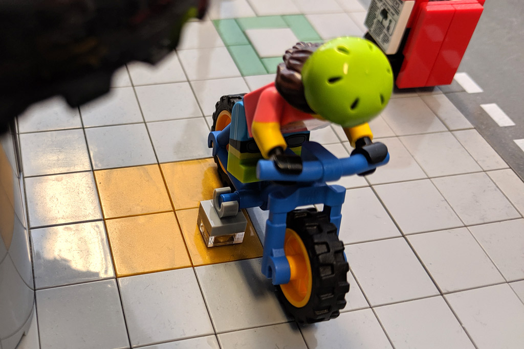 lego-1025-minifiguren-serie-19-mountainbike-steine-2019-zusammengebaut-andres-lehmann zusammengebaut.com