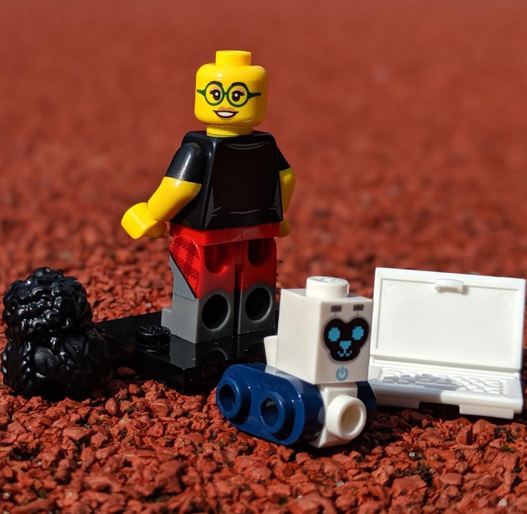 lego-1025-minifiguren-serie-19-programmiererin-back-2019-zusammengebaut-andres-lehmann zusammengebaut.com