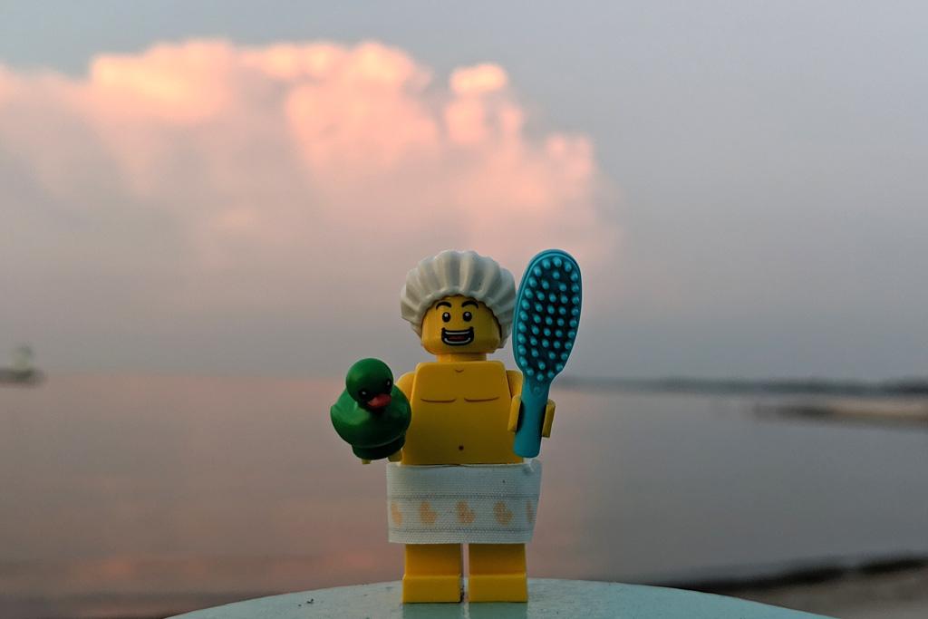 lego-71025-minifiguren-serie-19-review-dusch-kerl-sonnenuntergang-2019-zusammengebaut-andres-lehmann zusammengebaut.com