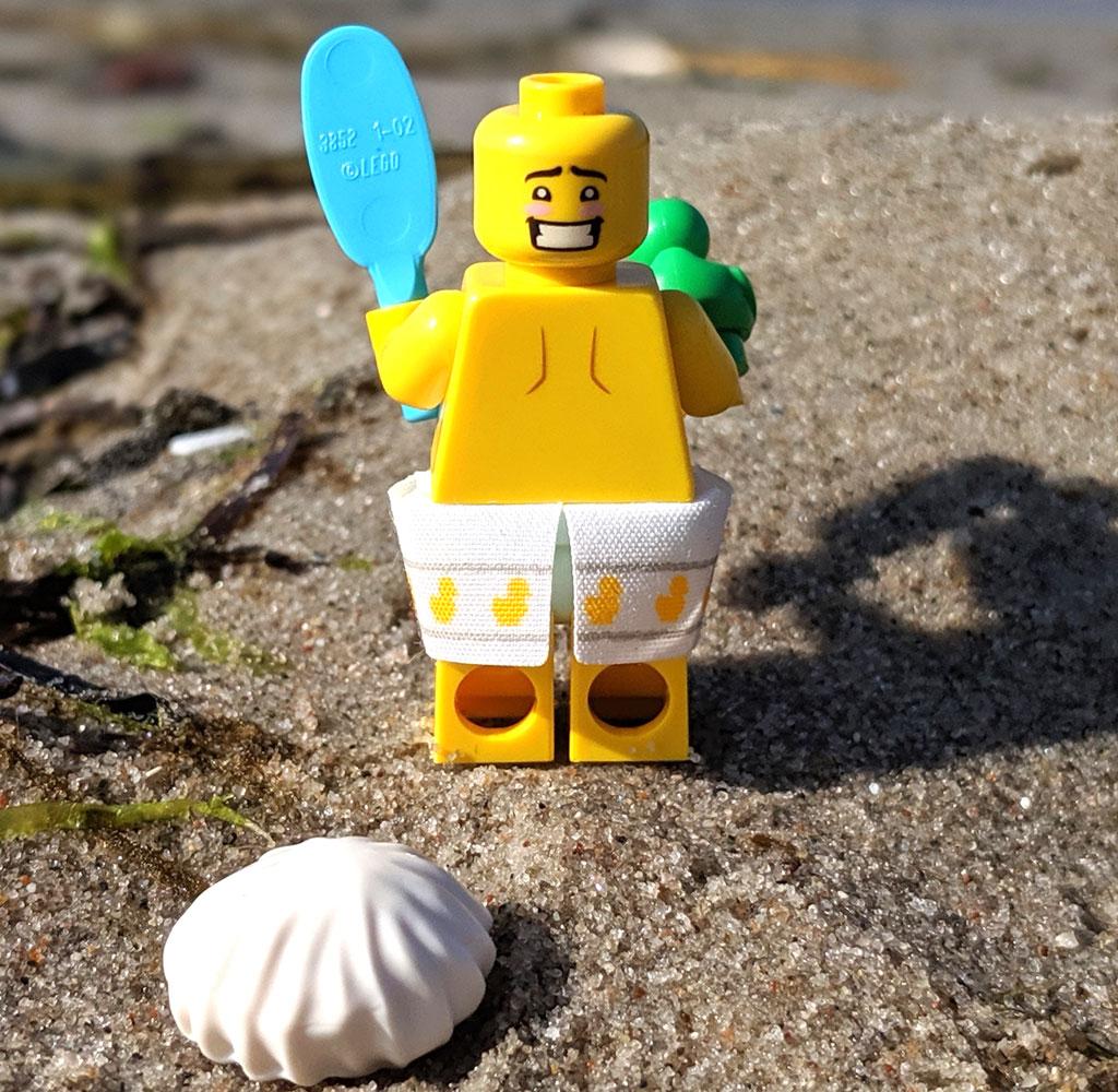 lego-71025-minifiguren-serie-19-review-dusch-kerl-strand-back-duschhaube-2019-zusammengebaut-andres-lehmann zusammengebaut.com