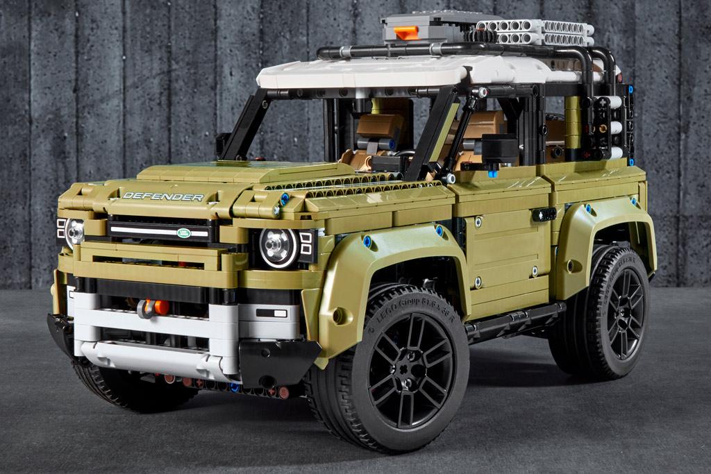 lego-technic-42110-land-rover-defender-2019 zusammengebaut.com
