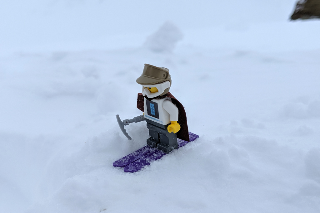 lego-minifigur-jungfraujoch-skier-2019-zusammengebaut-andres-lehmann zusammengebaut.com