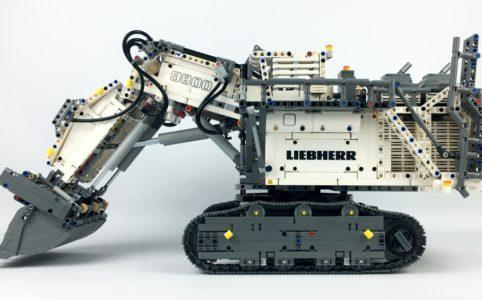 lego-technic-42100-liebherr-bagger-r-9800-seite-2019-zusammengebaut-andre-micko zusammengebaut.com