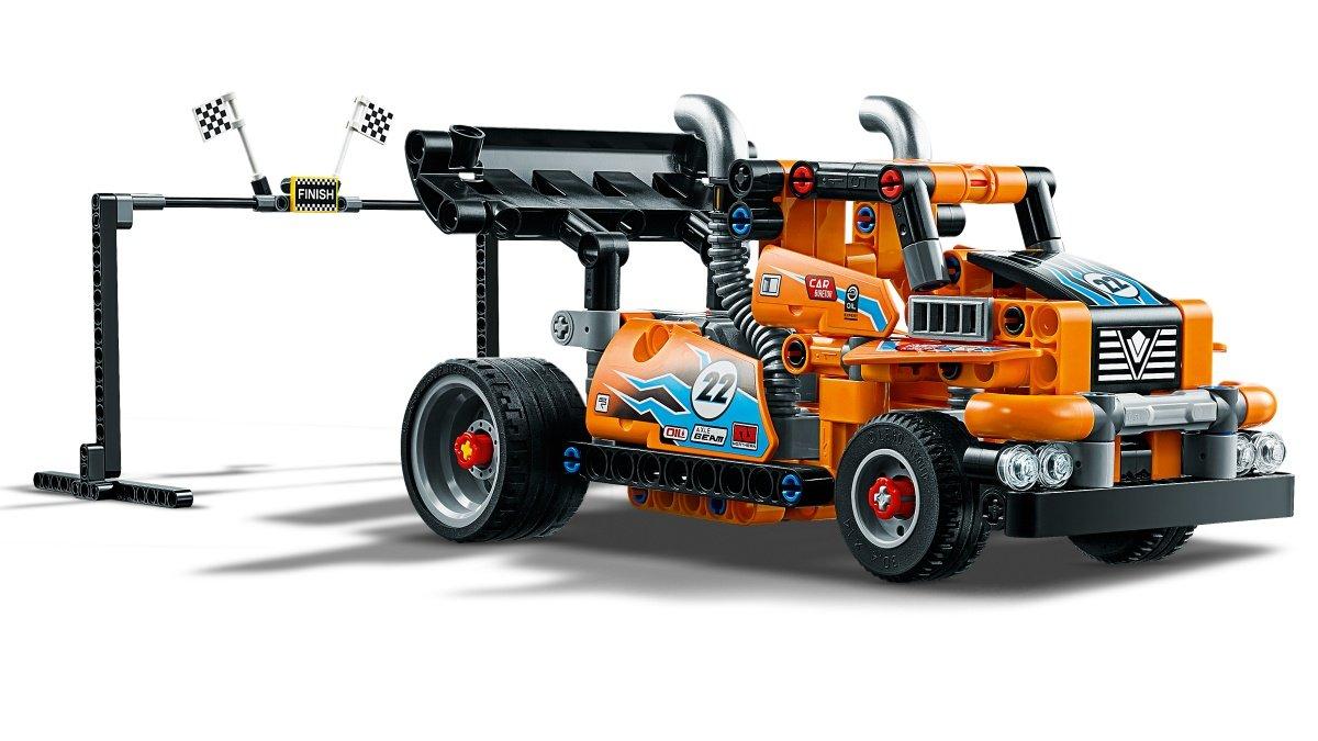 42104-lego-technic-race-truck-2020-inhalt zusammengebaut.com