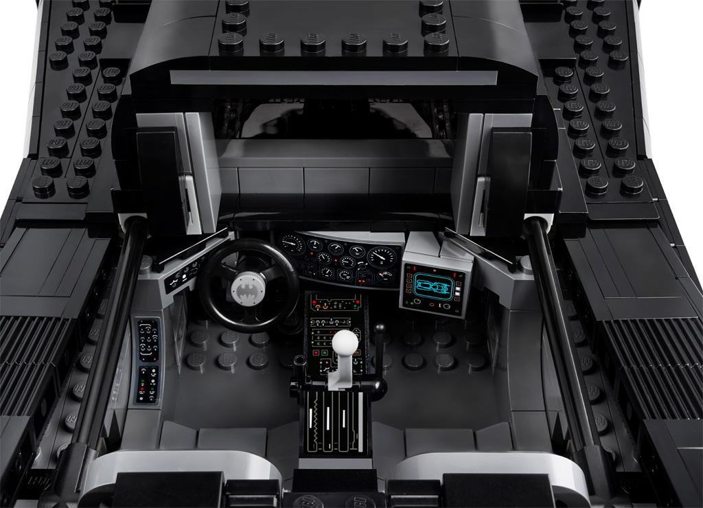 lego-batman-76139-1989-batmobile-2019-cockbit zusammengebaut.com