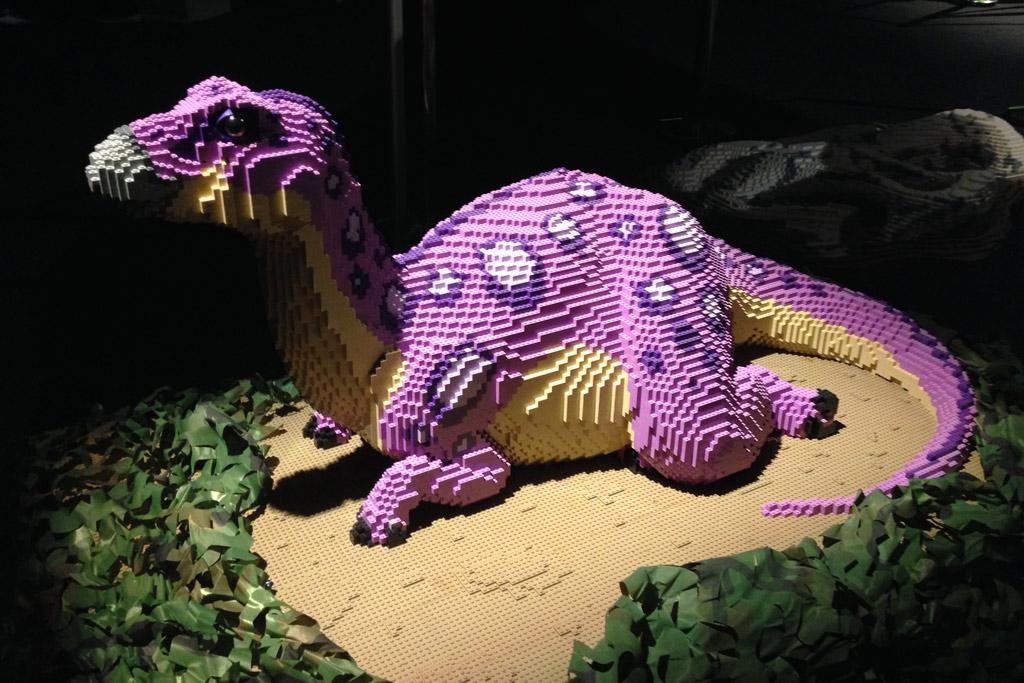 lego-brickosaurs-ausstellung-odysseum-koeln-zusammengebaut-2019-susanne-krauss zusammengebaut.com