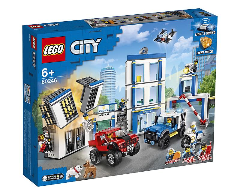 lego-ciity-60246-polizeistation-2020-box zusammengebaut.com