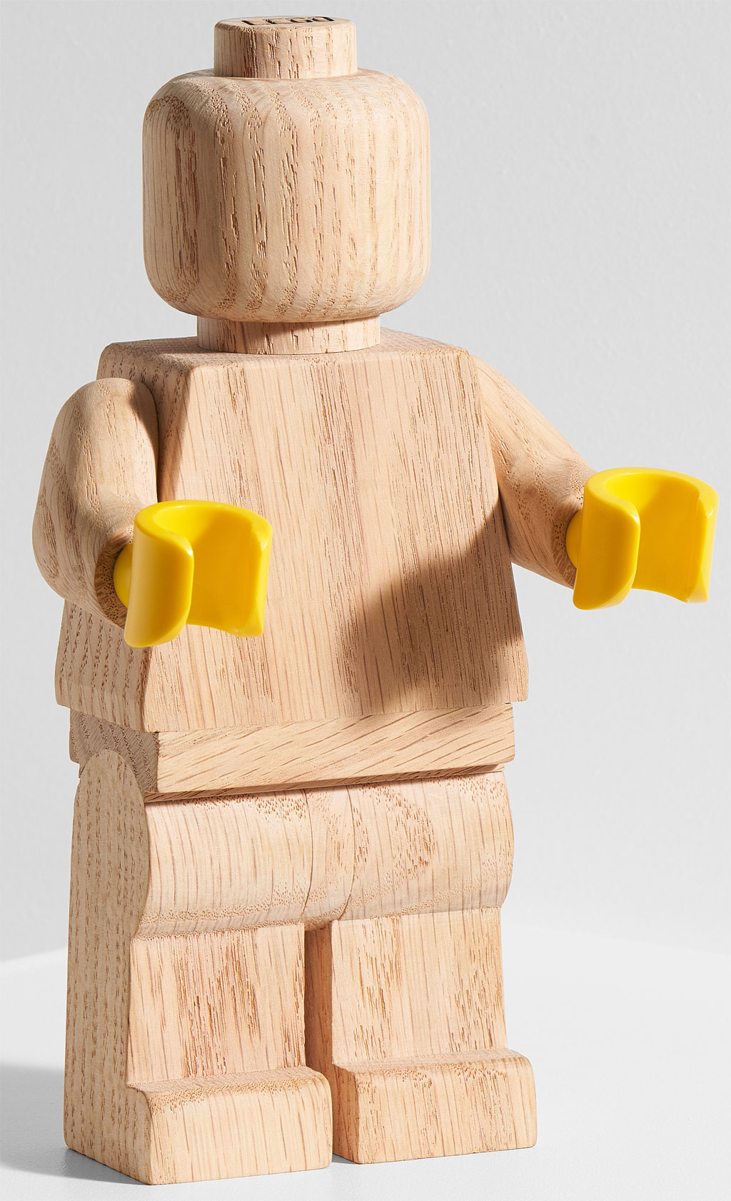 lego-originals-upscaled-wooden-minifigure-853967-2019-front zusammengebaut.com