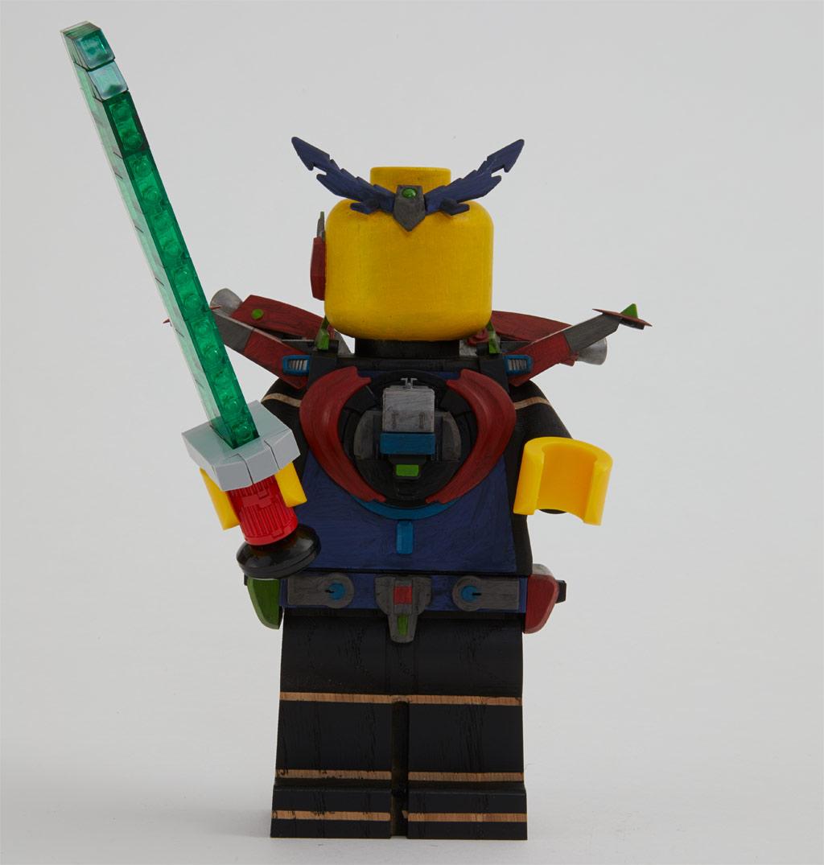 lego-originals-upscaled-wooden-minifigure-853967-2019-lichtschwert zusammengebaut.com