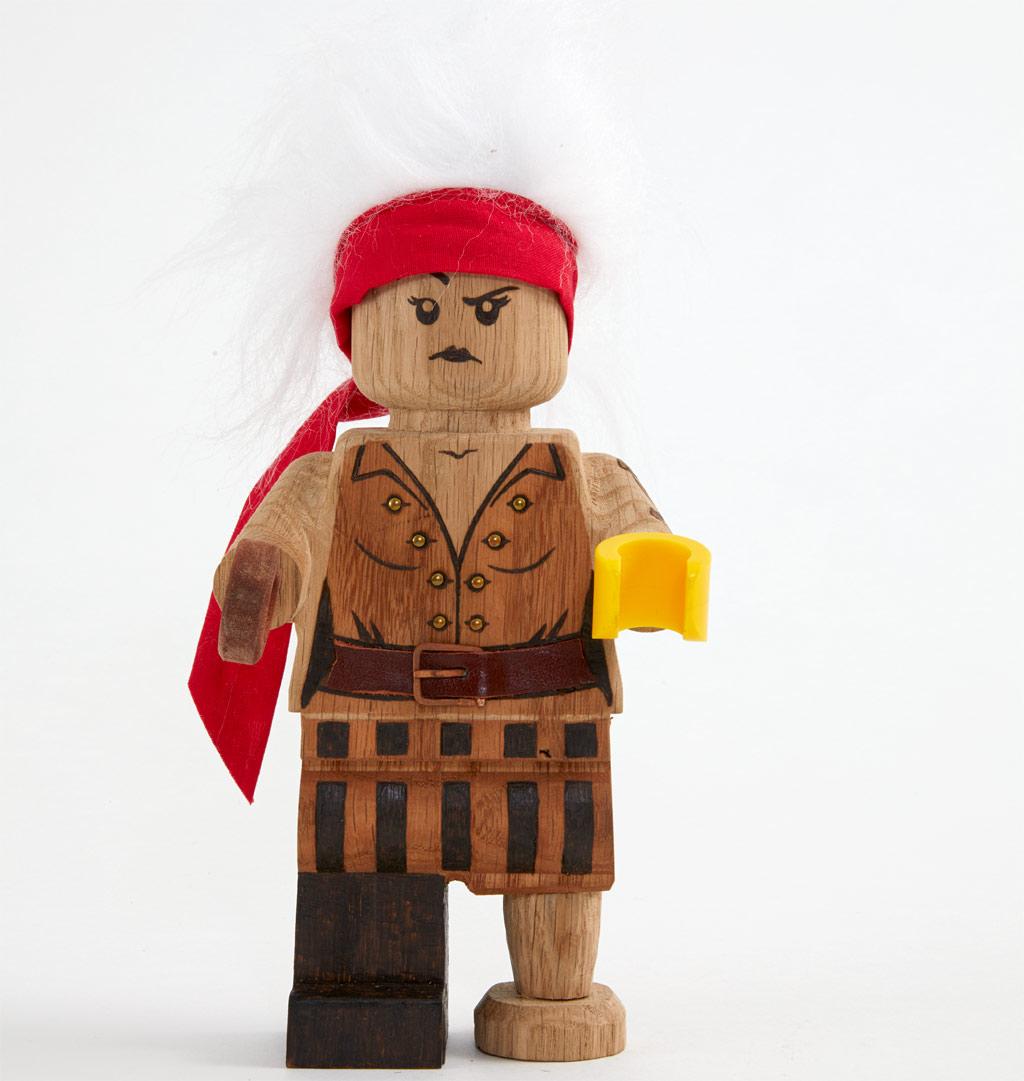 lego-originals-upscaled-wooden-minifigure-853967-2019-pirat zusammengebaut.com