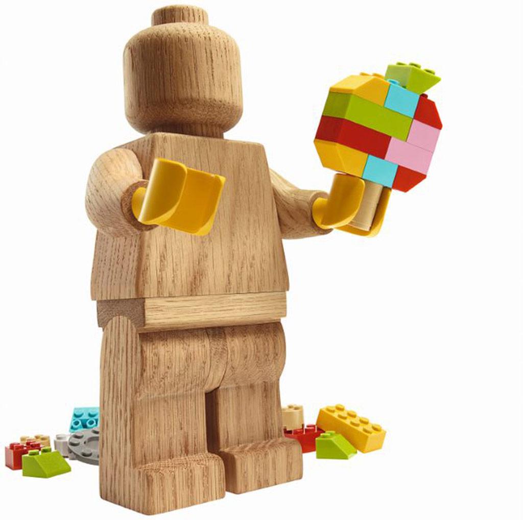 lego-originals-upscaled-wooden-minifigure-853967-2019-system zusammengebaut.com