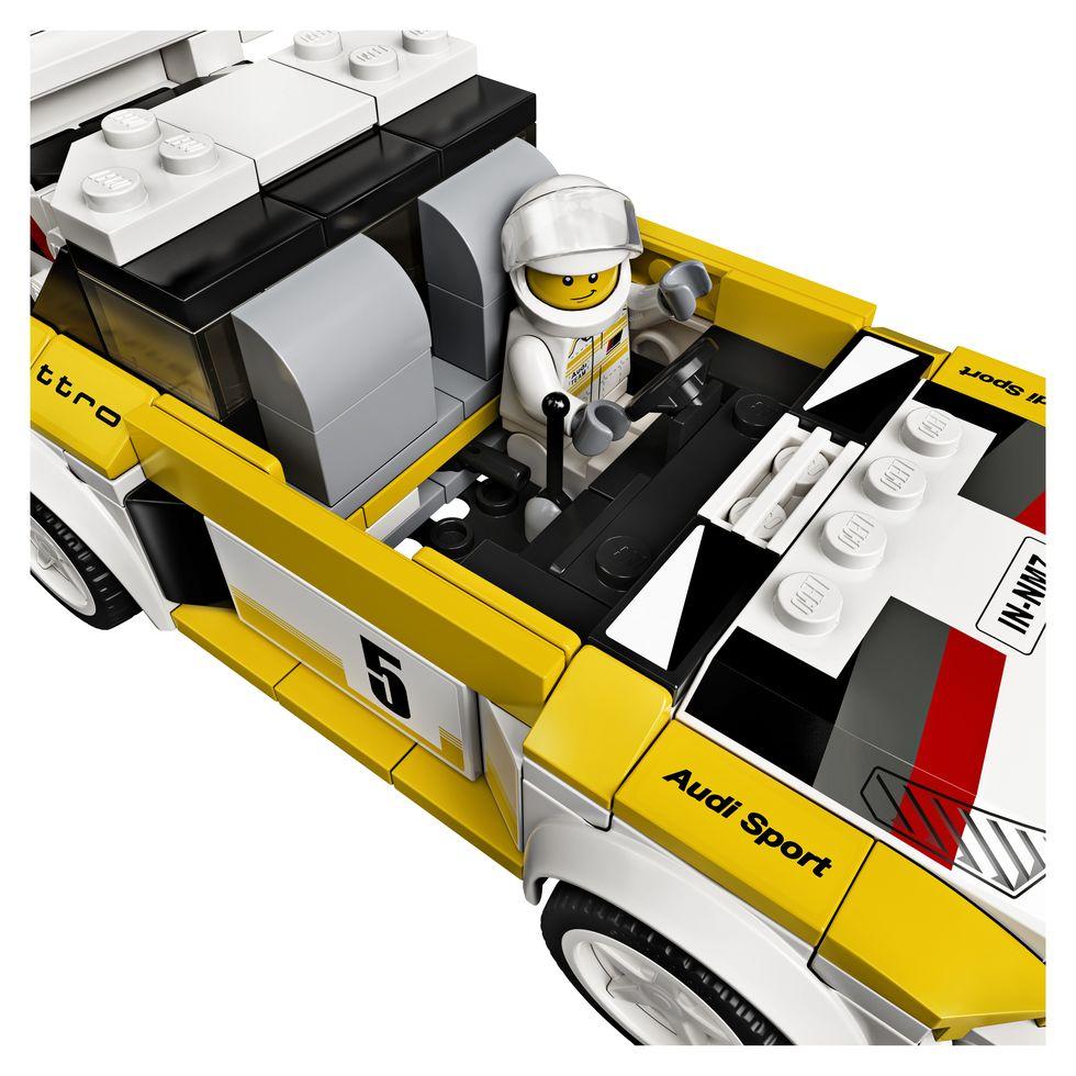 lego-speed-champions-76897-1985-audi-sport-quattro-s1-2020-cockpit zusammengebaut.com