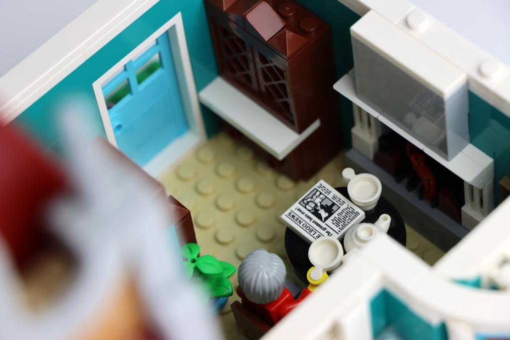 lego-creator-expert-10270-buchladen-bookshop-modular-building-kamin-2020-zusammengebaut-andres-lehmann zusammengebaut.com