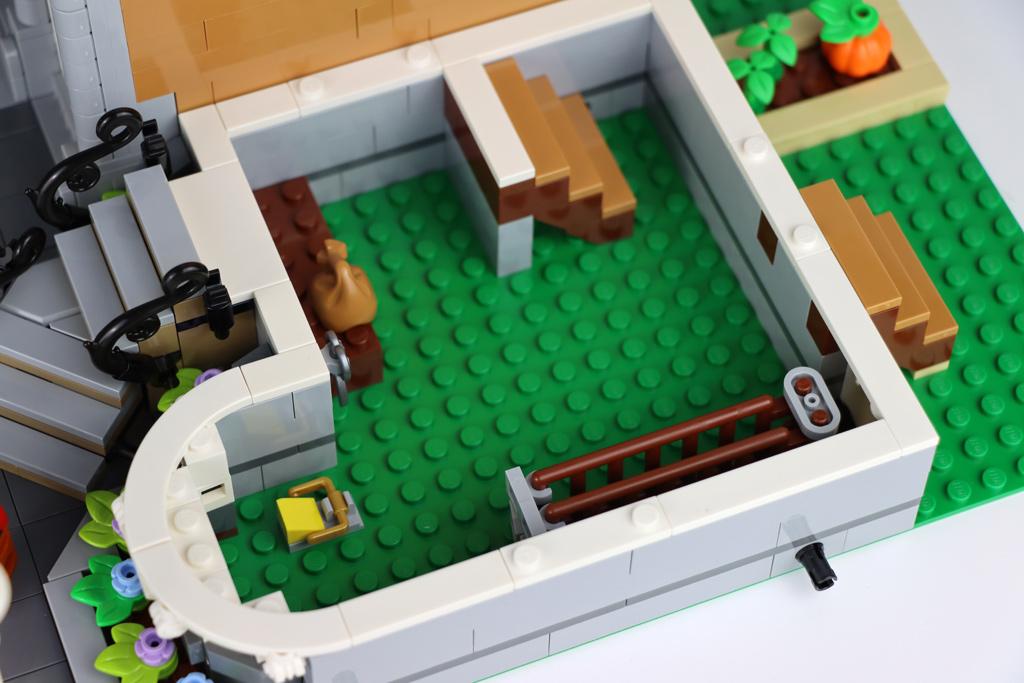 lego-creator-expert-10270-buchladen-bookshop-modular-building-keller-2020-zusammengebaut-andres-lehmann zusammengebaut.com