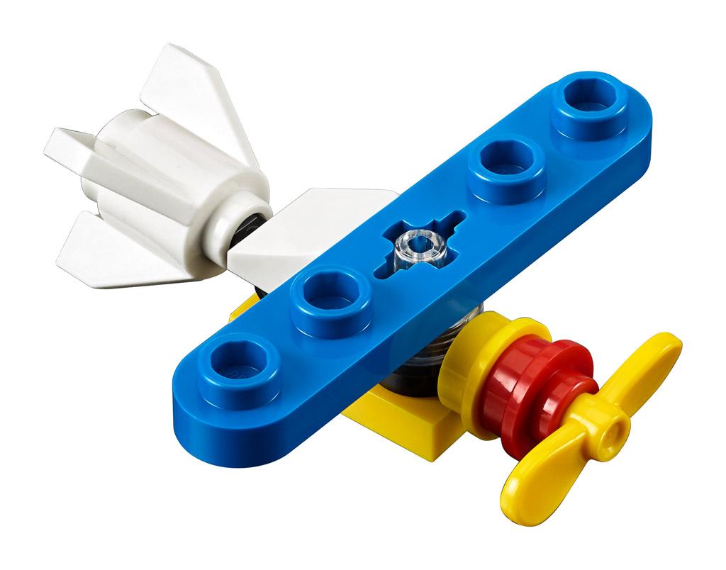 lego-creator-expert-10270-buchladen-bookshop-modular-building-propeller-flugzeug-2020-zusammengebaut zusammengebaut.com