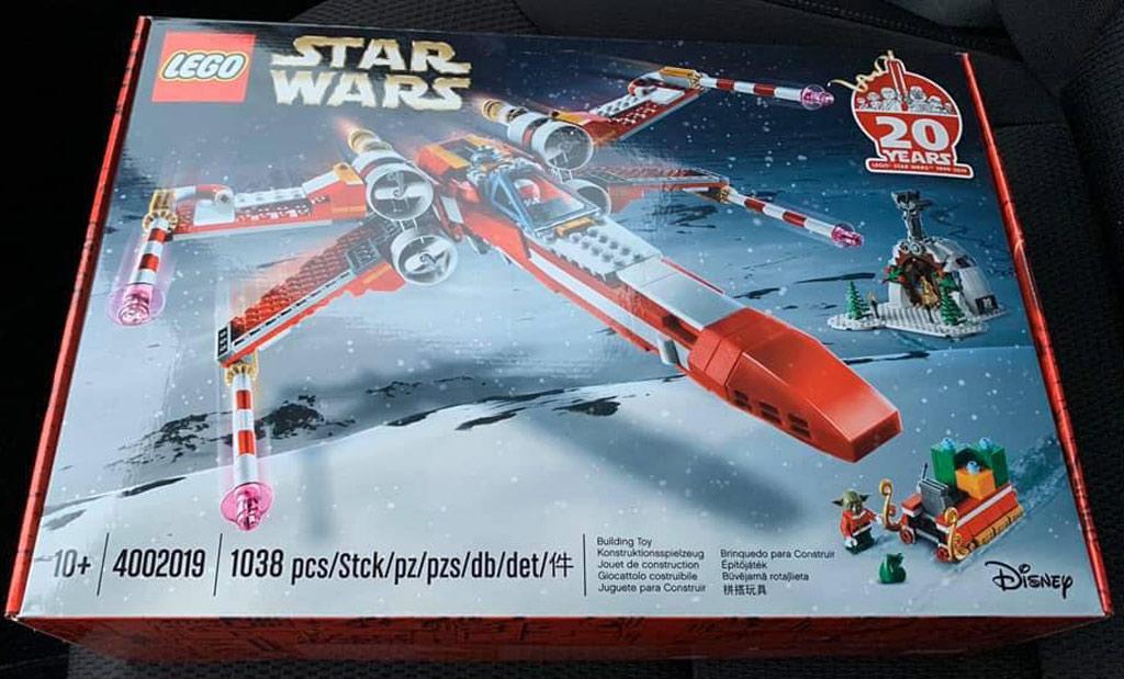 lego-mitarbeiter-set-4002019-x-wing-star-wars-2019-1 zusammengebaut.com