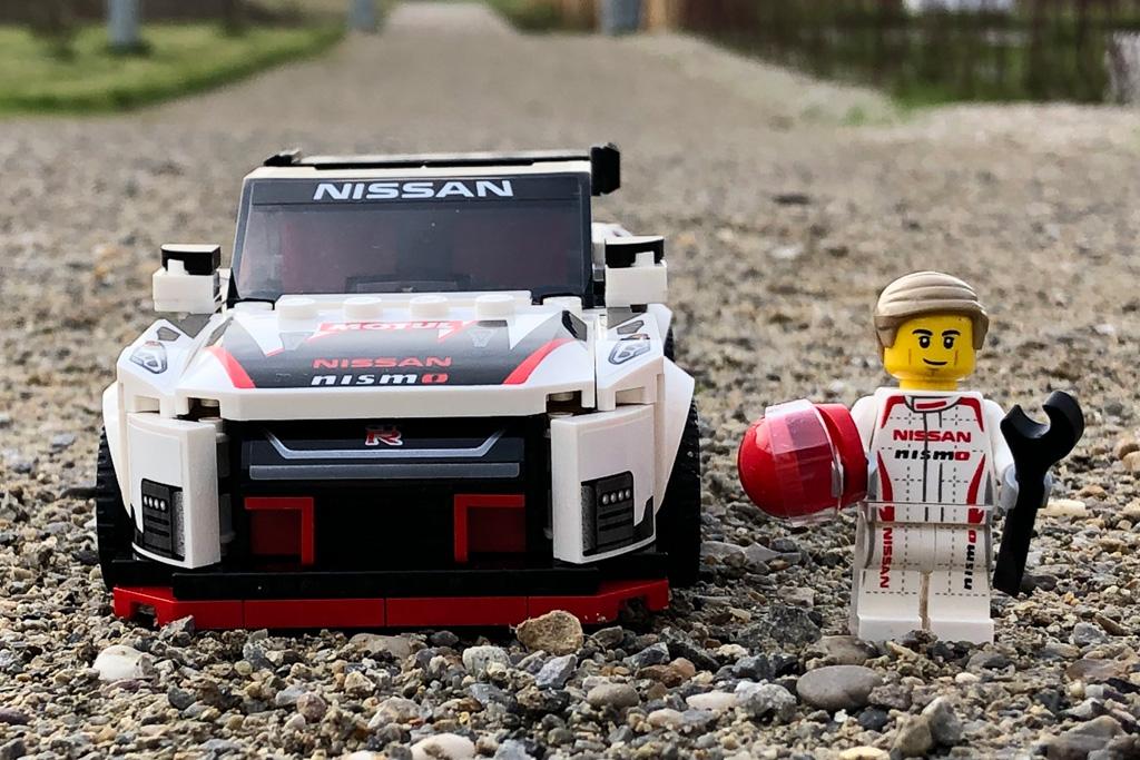 lego-speed-champions-76896-nissan-gt-r-nismo-2020-zusammengebaut-michael-kopp zusammengebaut.com