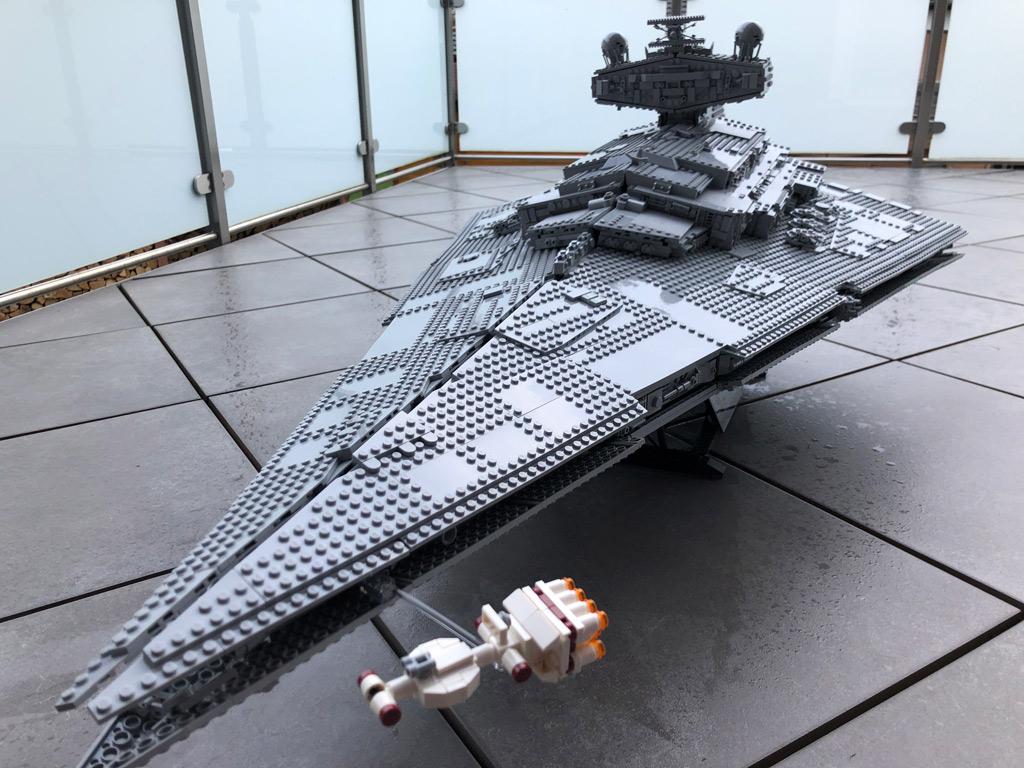 lego-star-wars-75252-ucs-imperialer-sternzerstoerer-aussen-2019-zusammengebaut-matthias-kuhnt zusammengebaut.com
