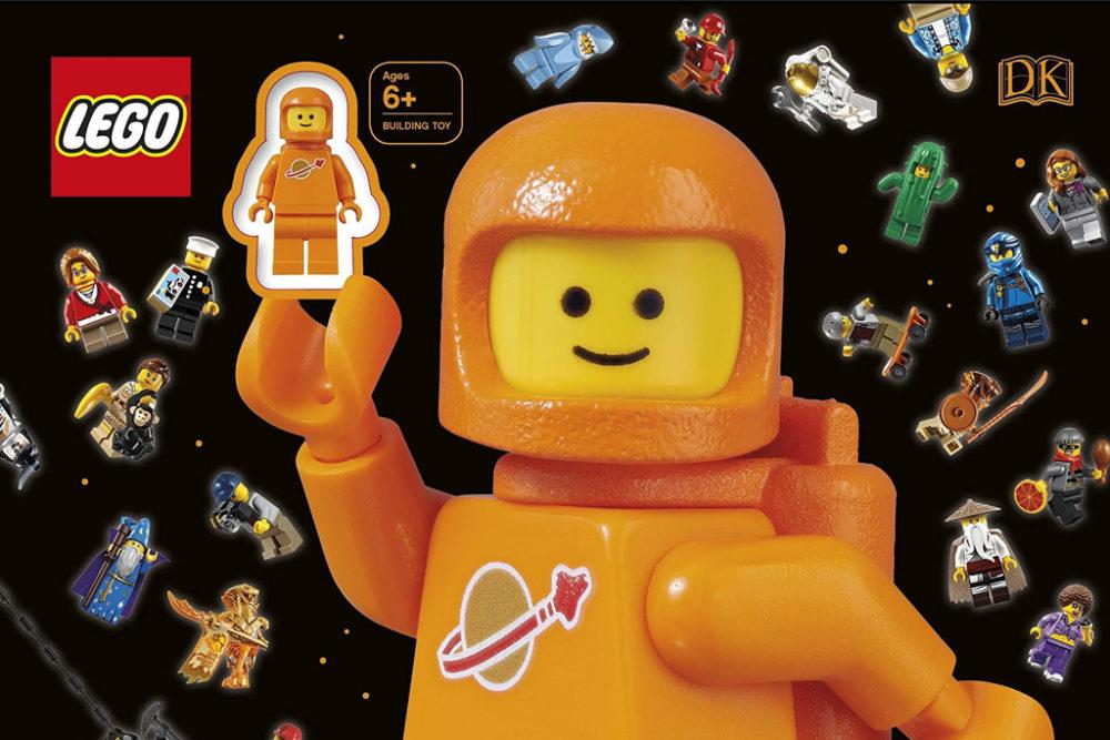 classic-space-lego-minifigur-orange-buch-ausschnitt zusammengebaut.com
