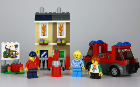 lego-40393-legoland-fire-academy-2020-zusammengebaut-andres-lehmann zusammengebaut.com
