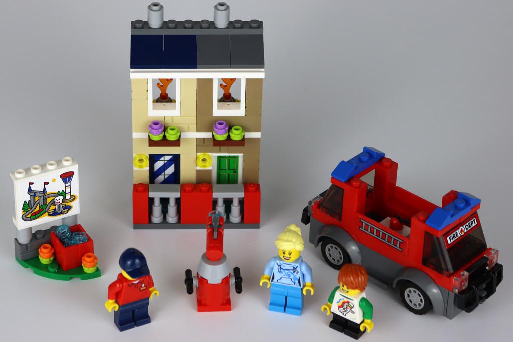 lego-40393-legoland-fire-academy-draufsicht-2020-zusammengebaut-andres-lehmann zusammengebaut.com