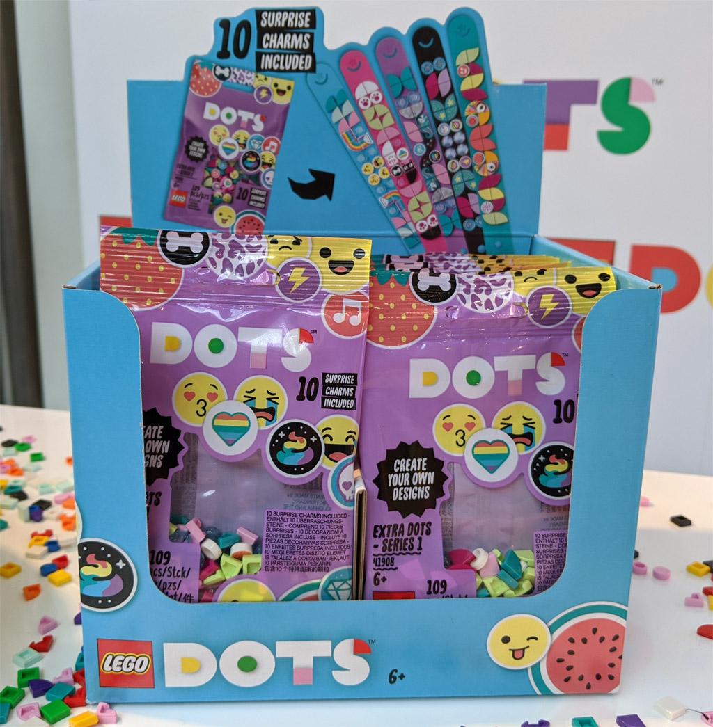 lego-dots-schmuck-spielwarenmesse-nuernberg-armband-verpackungen-blindbags-2020-zusammengebaut-andres-lehmann zusammengebaut.com