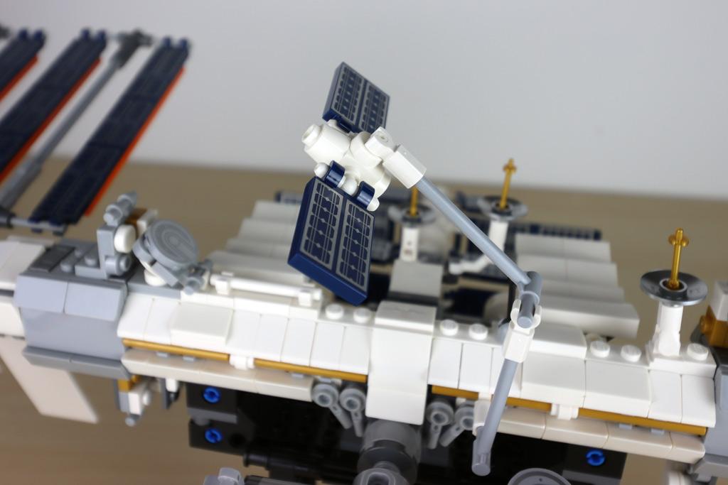 lego-ideas-21321-international-space-station-2020-details-zusammengebaut-andres-lehmann zusammengebaut.com