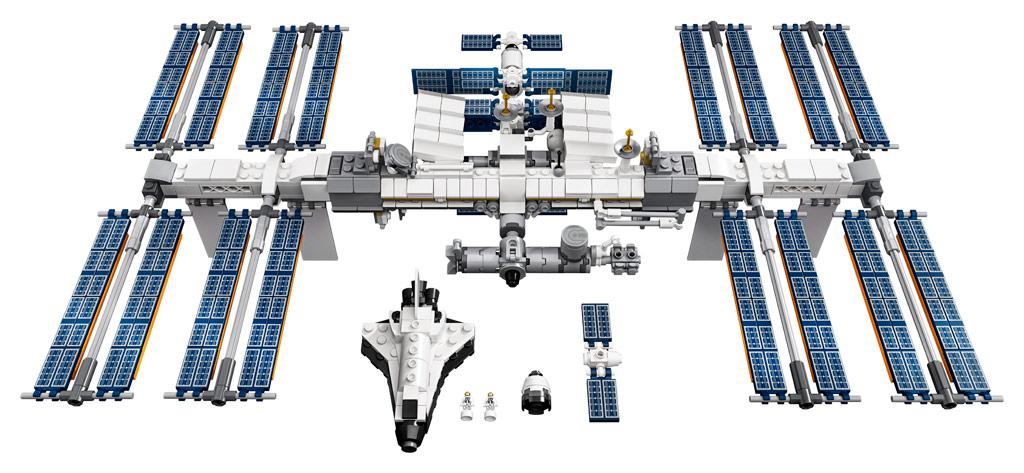lego-ideas-21321-international-space-station-2020-inhalt zusammengebaut.com