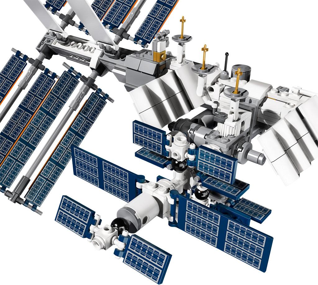 lego-ideas-21321-international-space-station-2020-prints zusammengebaut.com