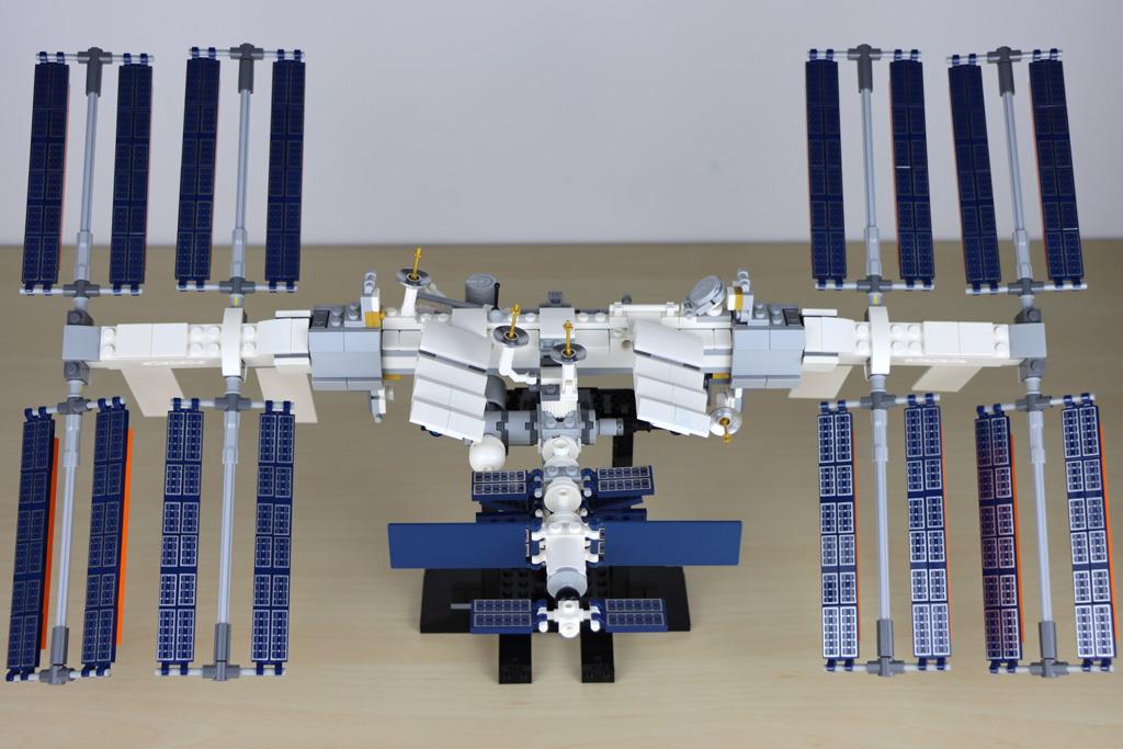 lego-ideas-21321-international-space-station-2020-rueckseite-zusammengebaut-andres-lehmann zusammengebaut.com