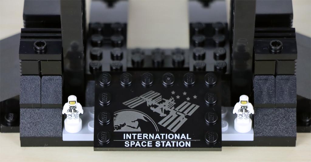 lego-ideas-21321-international-space-station-2020-schild-zusammengebaut-andres-lehmann zusammengebaut.com