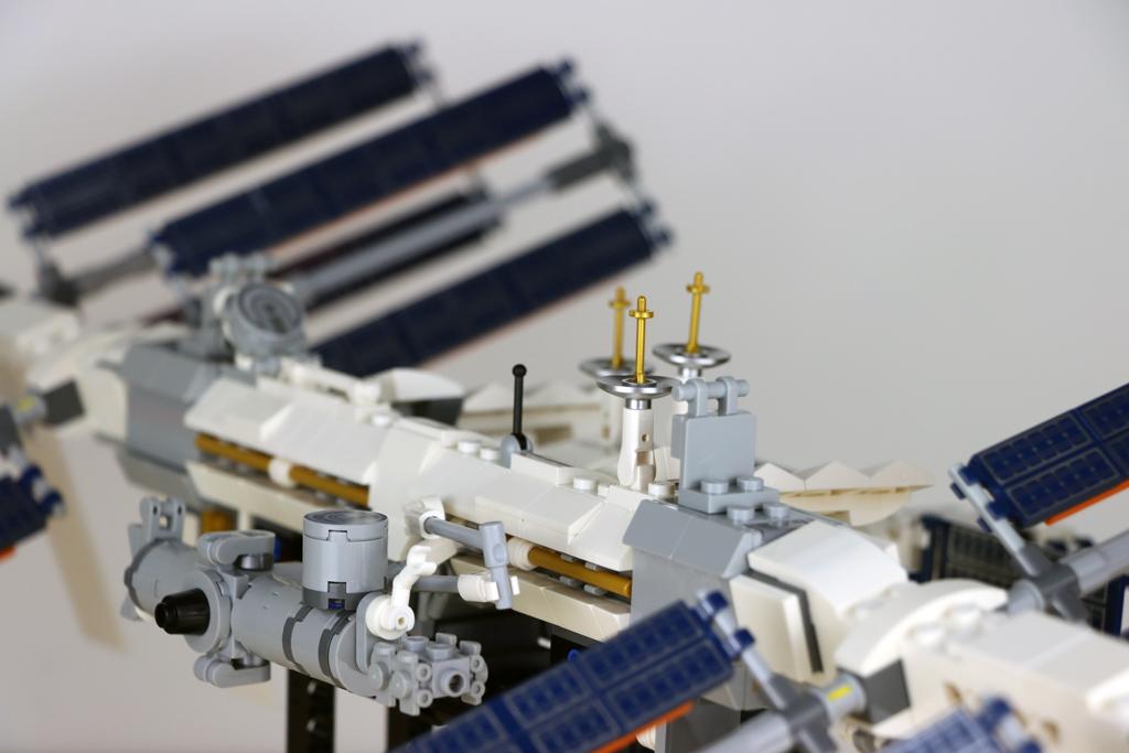 lego-ideas-21321-international-space-station-2020-seite-zusammengebaut-andres-lehmann zusammengebaut.com