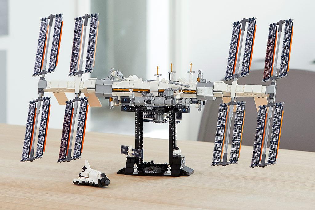 lego-ideas-21321-international-space-station-2020-tisch zusammengebaut.com