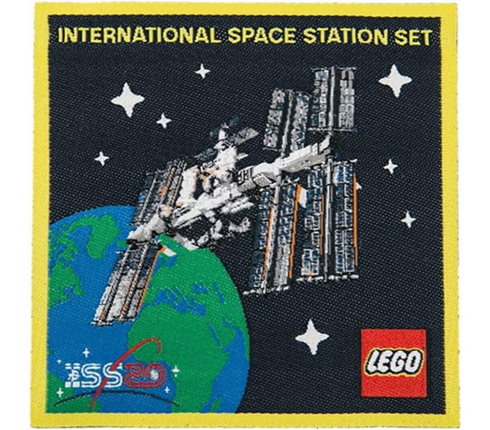 lego-ideas-21321-international-space-station-patch-2020-front zusammengebaut.com