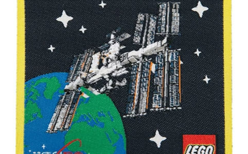 lego-ideas-21321-international-space-station-patch-2020-front zusammengebaut.com