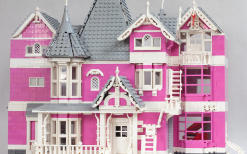 lego-ideas-coralines-pink-palace-apartments-holly-wachtmann zusammengebaut.com