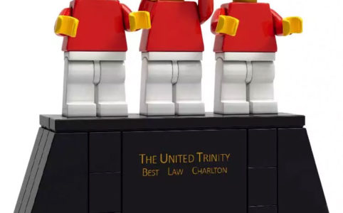 lego-the-united-trinity-gwp zusammengebaut.com