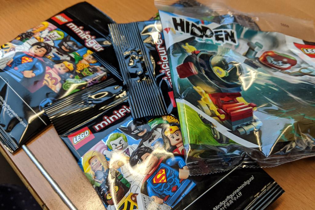 polybag-hidden-side-lego-minifiguren zusammengebaut.com