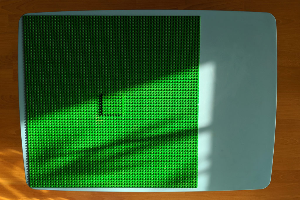 ikea-tisch-lego-grundplatten-platte-2019-zusammengebaut-andres-lehmann zusammengebaut.com