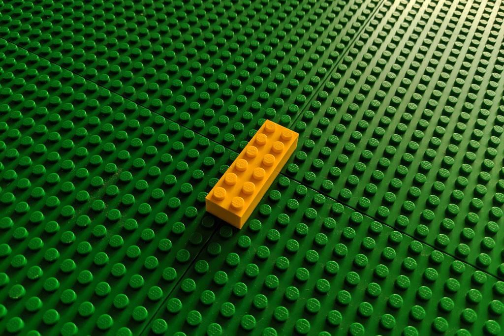 ikea-tisch-lego-grundplatten-stein-2019-zusammengebaut-andres-lehmann zusammengebaut.com