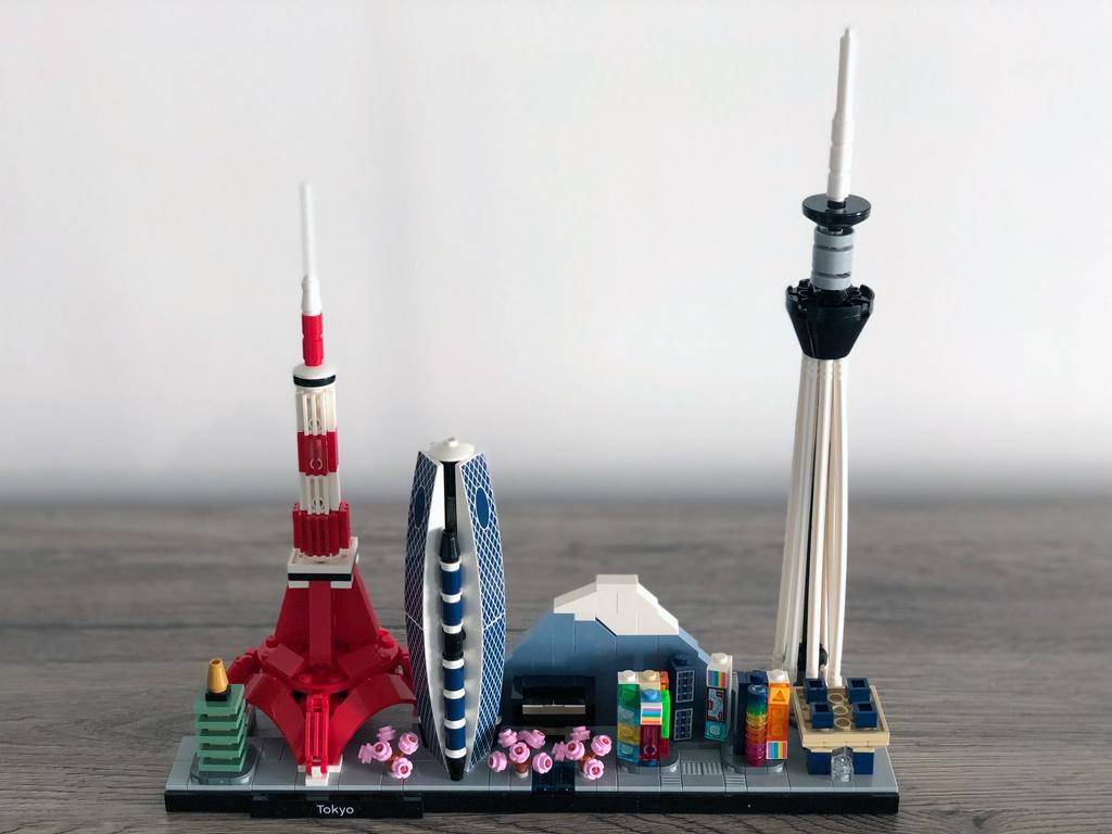 lego-architecture-21051-tokio-skyline-2020-zusammengebaut-michael-kopp zusammengebaut.com