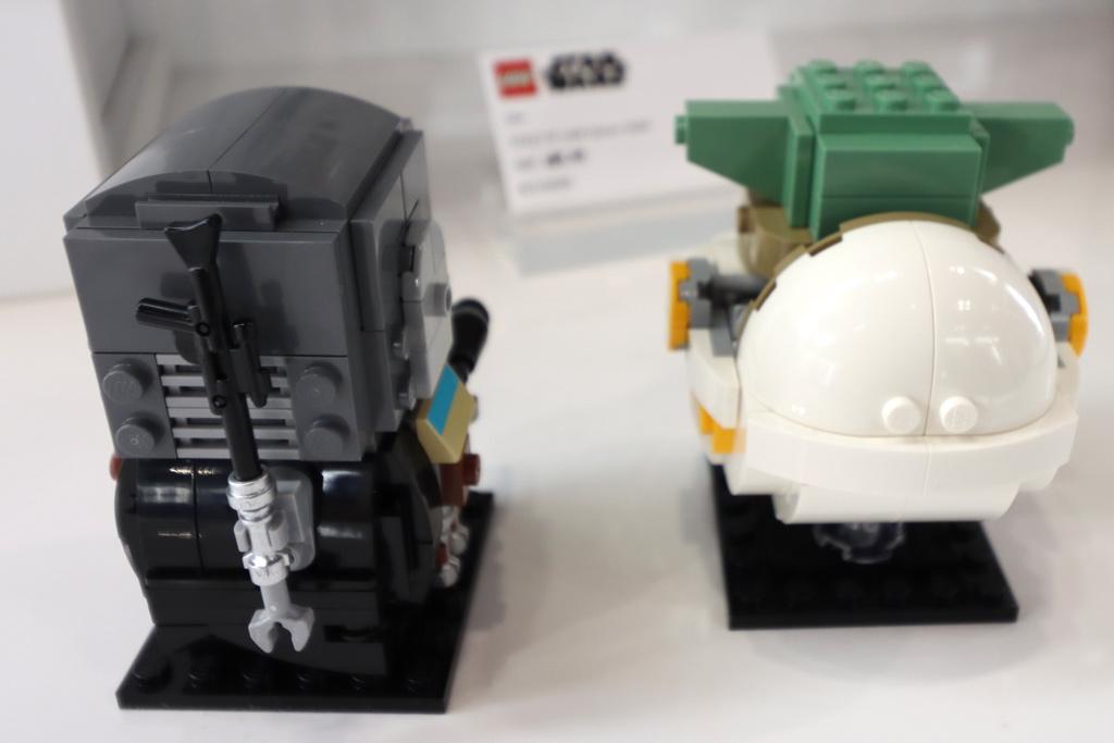 lego-brickheadz-75317-starwars-the-mandalorian-the-child-back-2020-zusammengbaut-andres-lehmann zusammengebaut.com