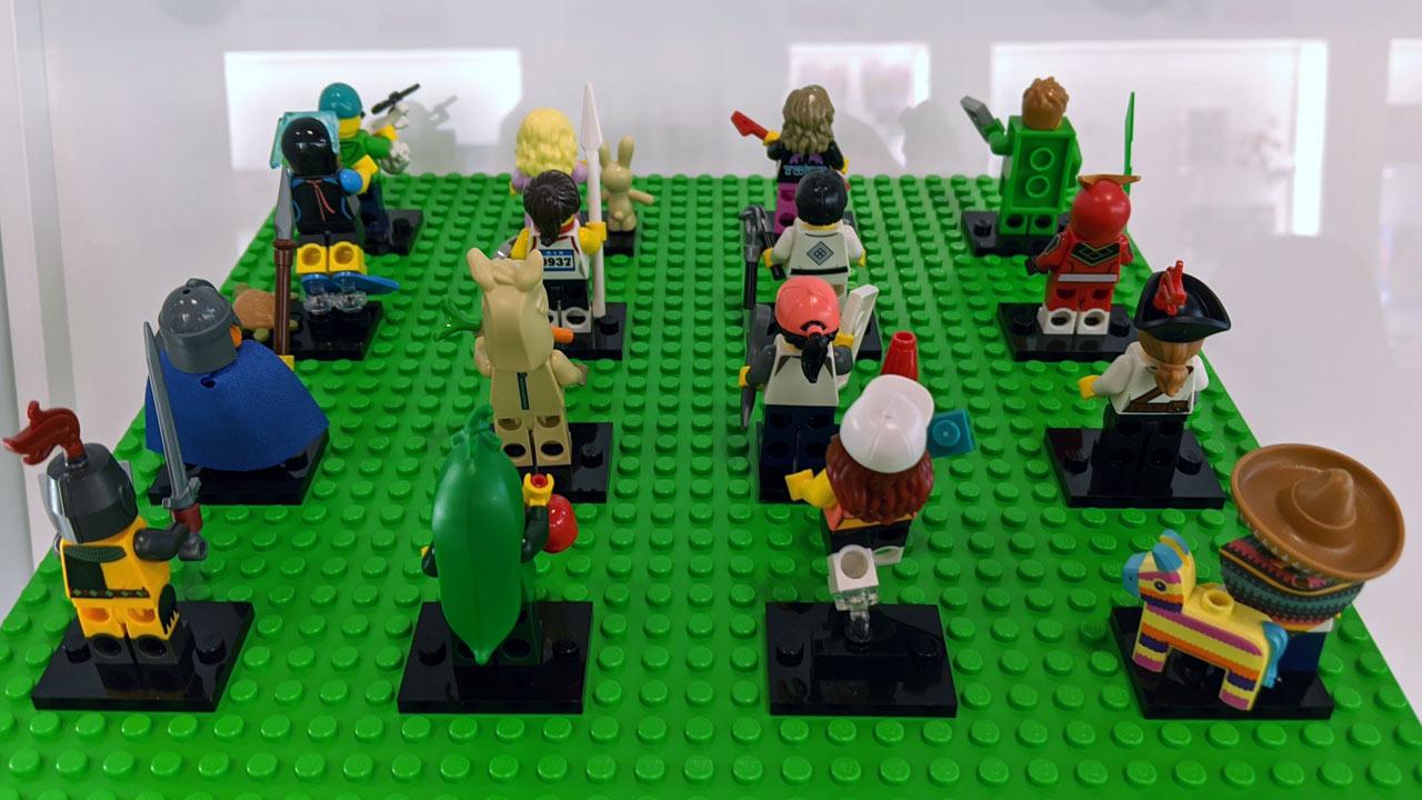 lego-minifiguren-sammelserie-20-71027-rueckseite-zusammengebaut-2020-andres-lehmann zusammengebaut.com