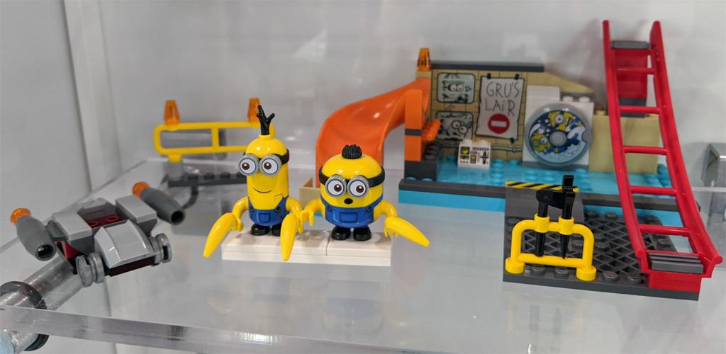 lego-minions-75546-minions-in-grus-labor-2020-zusammengebaut-andres-lehmann zusammengbaut.com