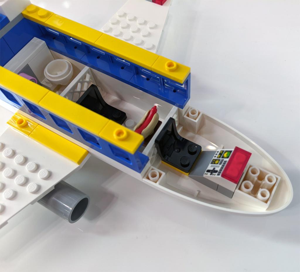 lego-minions-75547-minions-flugzeug-2020-zusammengebaut-andres-lehmann zusammengebaut.com