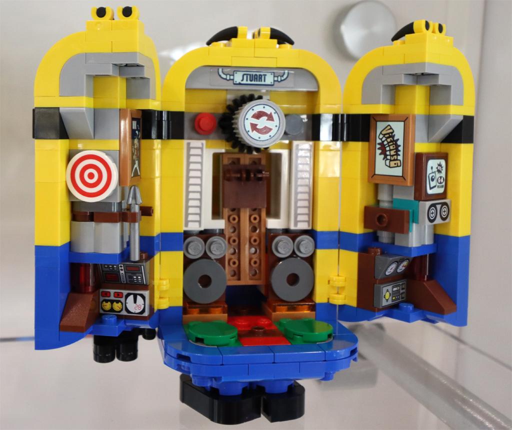 lego-minions-75551-brick-built-minions-and-their-lair-2020-offen-rueckseite-zusammengebaut-andres-lehmann zusammengebaut.com