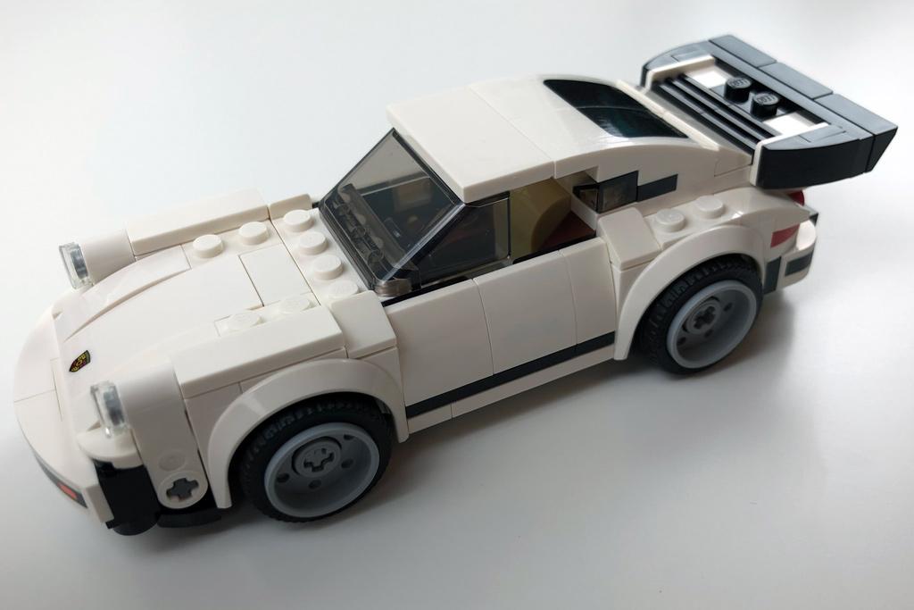 lego-speed-champions-75895-1974-porsche-911-turbo-3-0-review-6-2019-zusammengebaut-matthias-kuhnt zusammengebaut.com