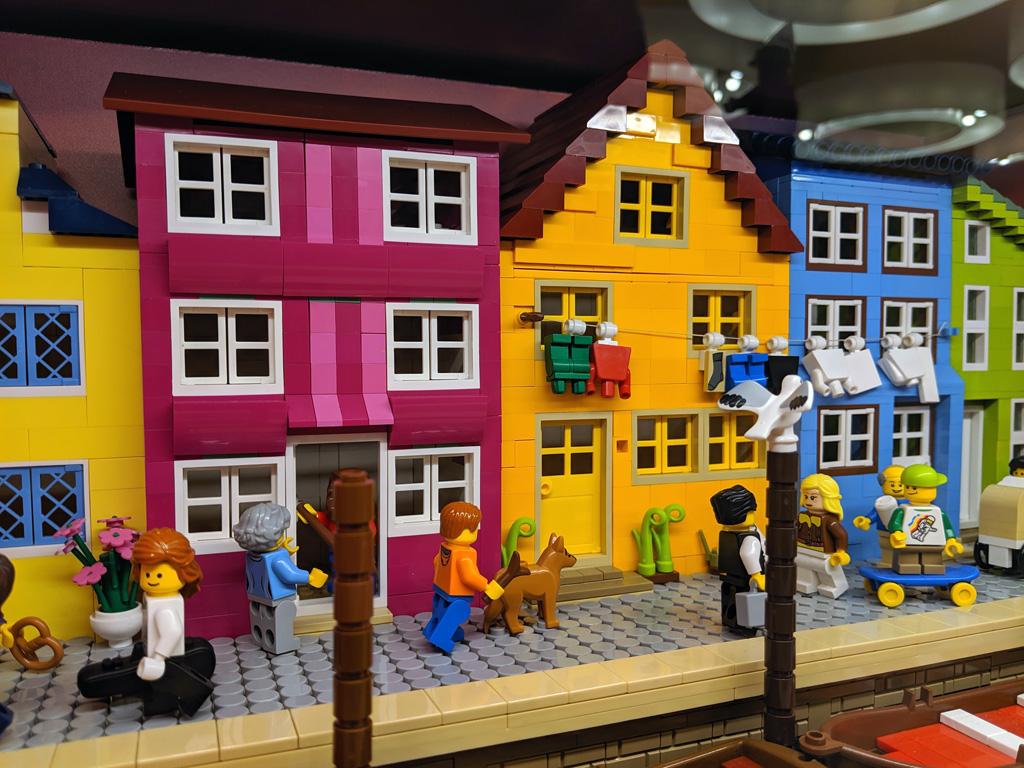 lego-store-modell-brick-fans-rhein-main-2019-zusammengebaut-andres-lehmann zusammengebaut.com