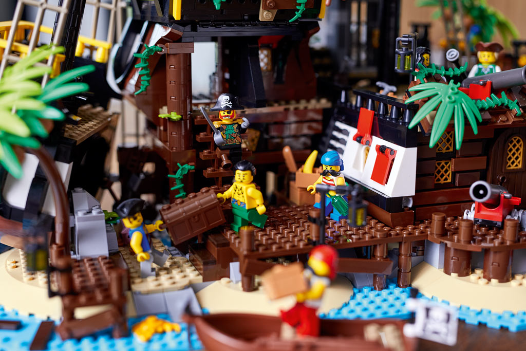 lego-ideas-21322-pirates-of-barracuda-bay-piraten-bucht-2020-3 zusammengebaut.com