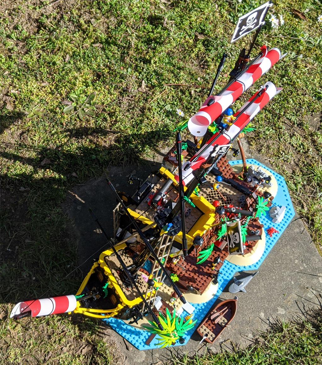 lego-ideas-21322-pirates-of-barracuda-bay-piraten-bucht-draufsicht-2020-zusammengebaut-andres-lehmann zusammengebaut.com